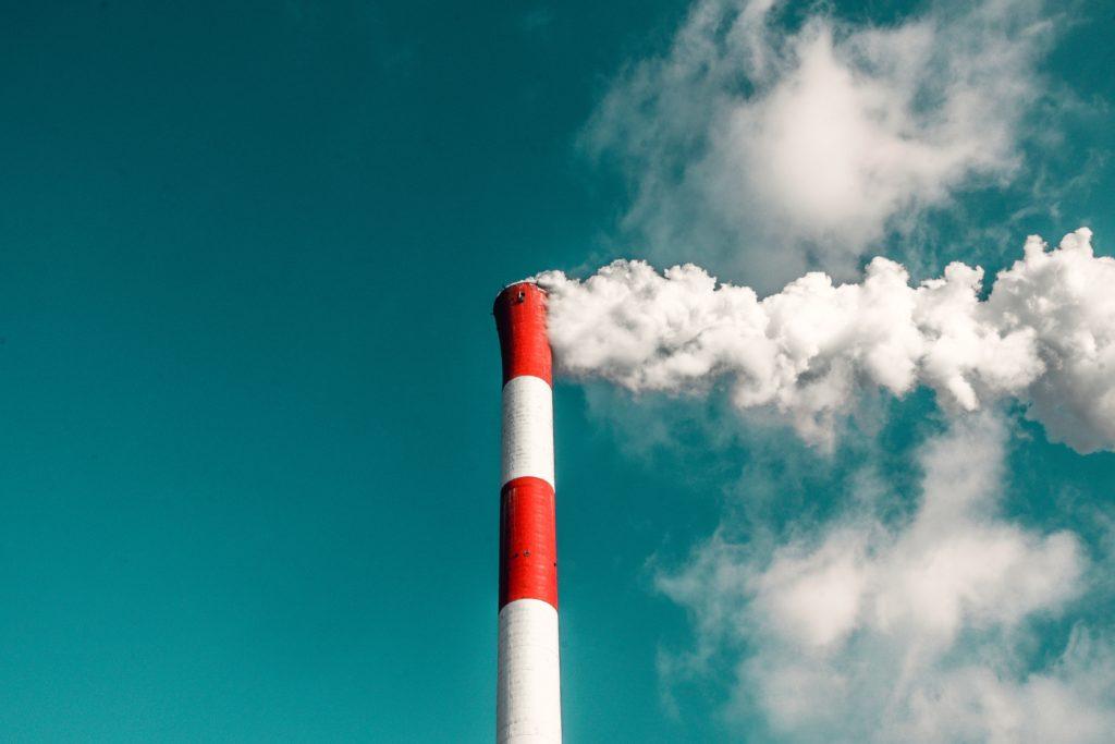 Implications commerciales des règlements sur les GES : Risques et opportunités pour la gestion de l'énergie